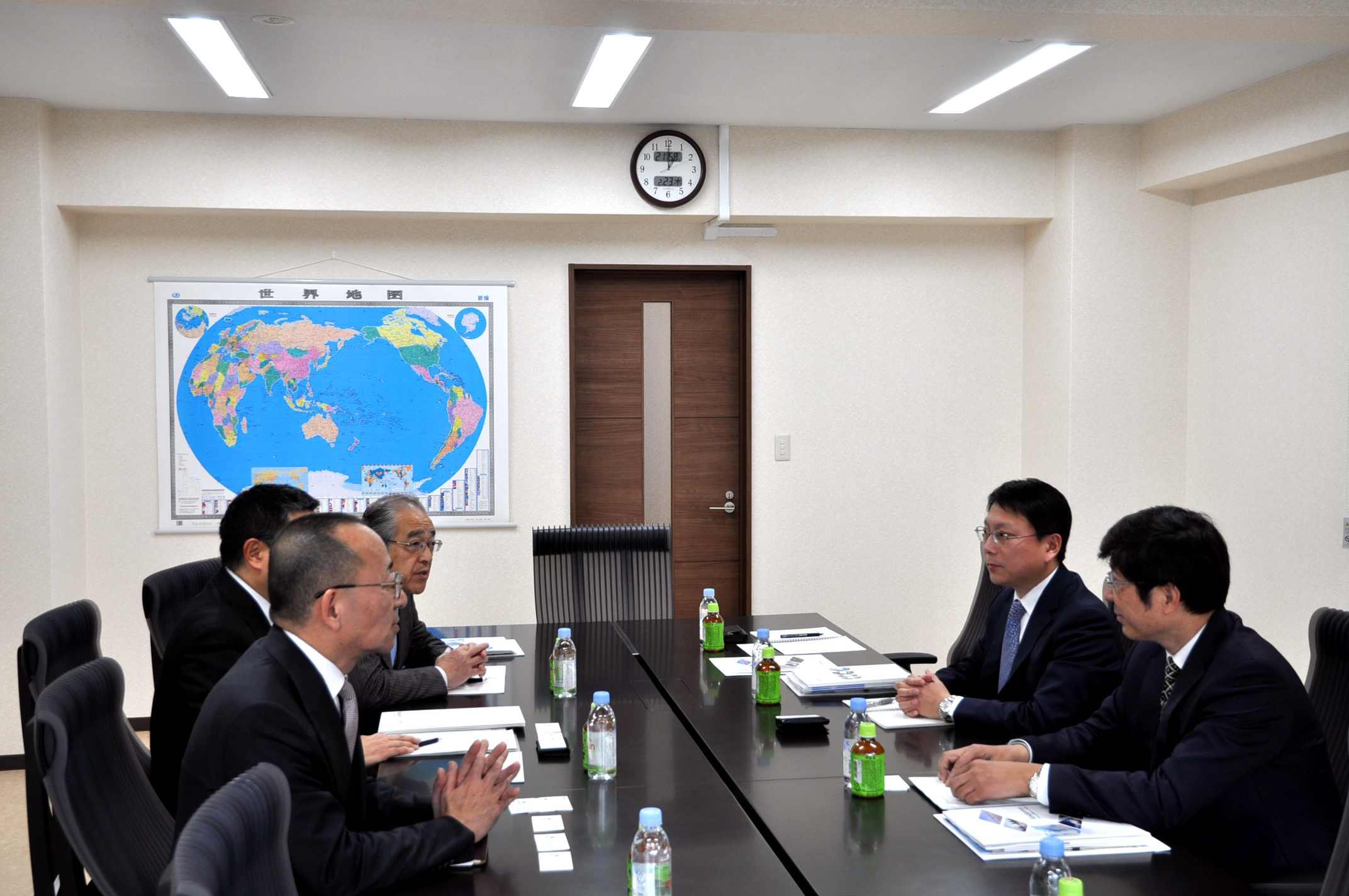 会见日本经济团体联合会(经团联)专务理事滨厚5_副本.jpg
